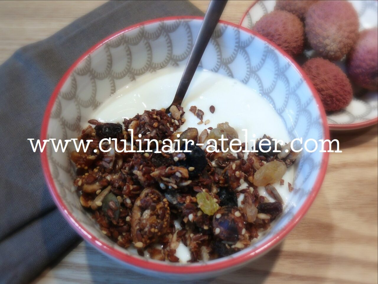 Huisgemaakte granola & yoghurt