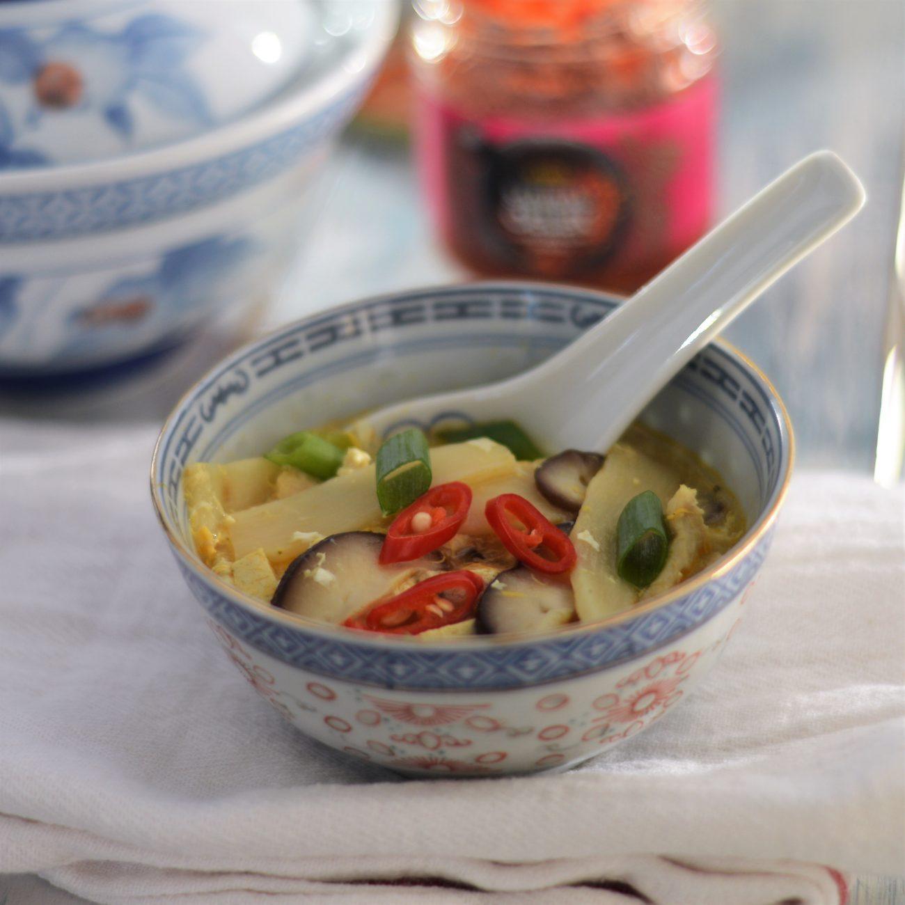Pikant-zure soep (Suan La Tang)