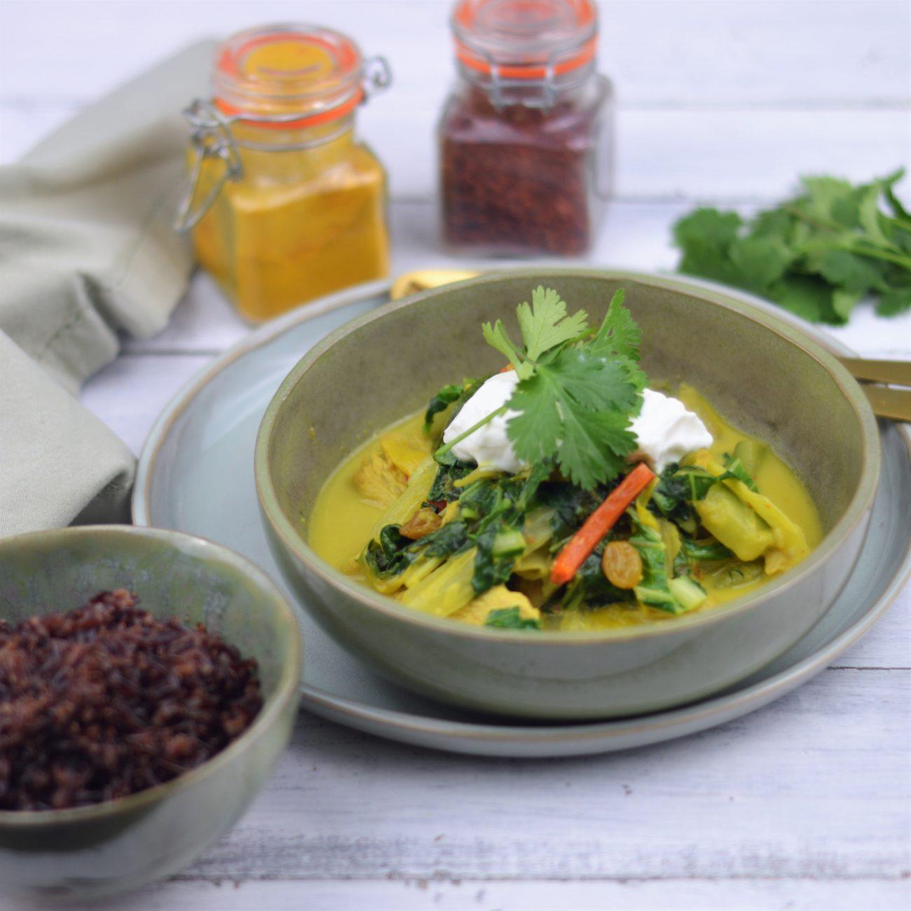 Curry met groenten, kalkoen en rode rijst