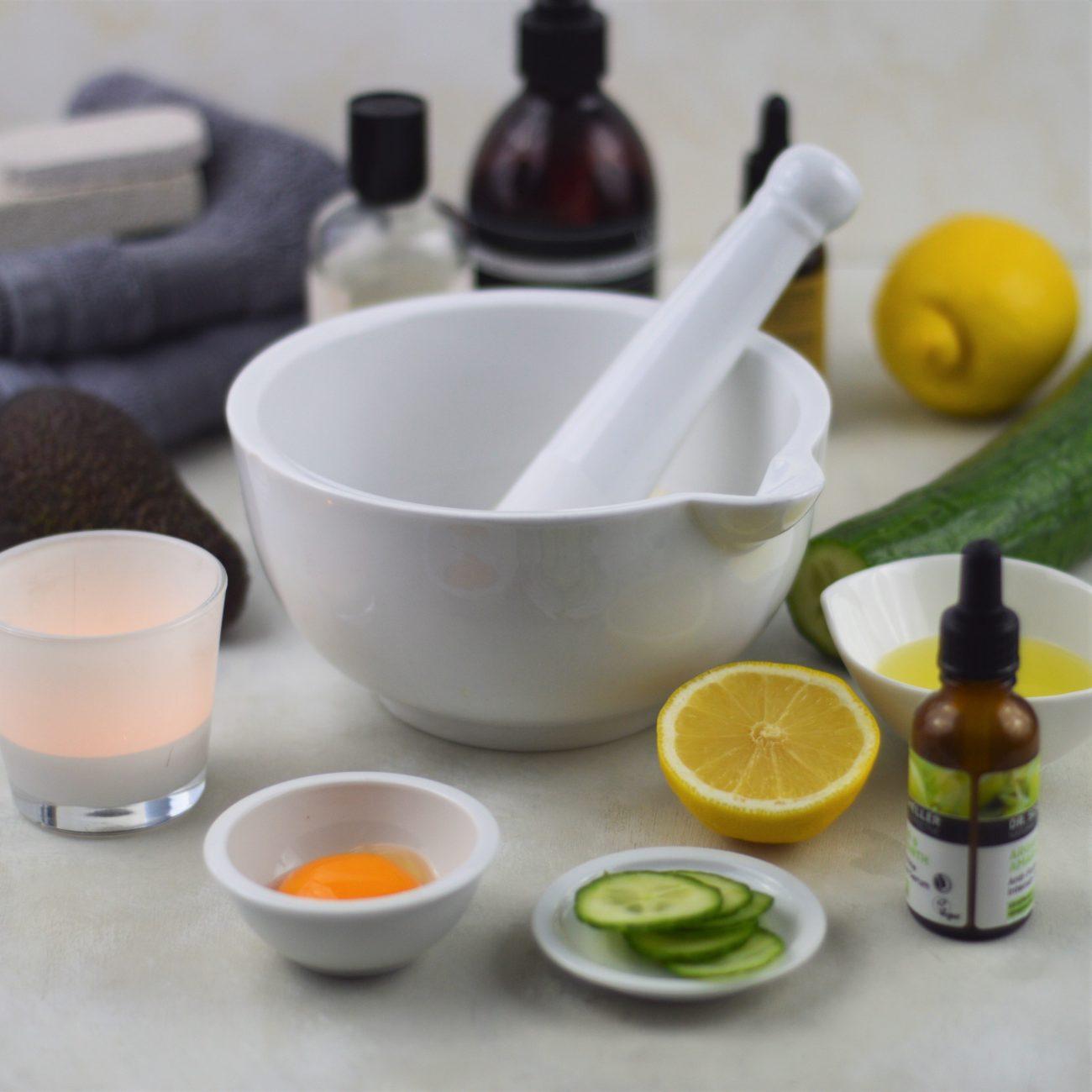 5 gezichtsmaskers met ingrediënten uit de keukenkast